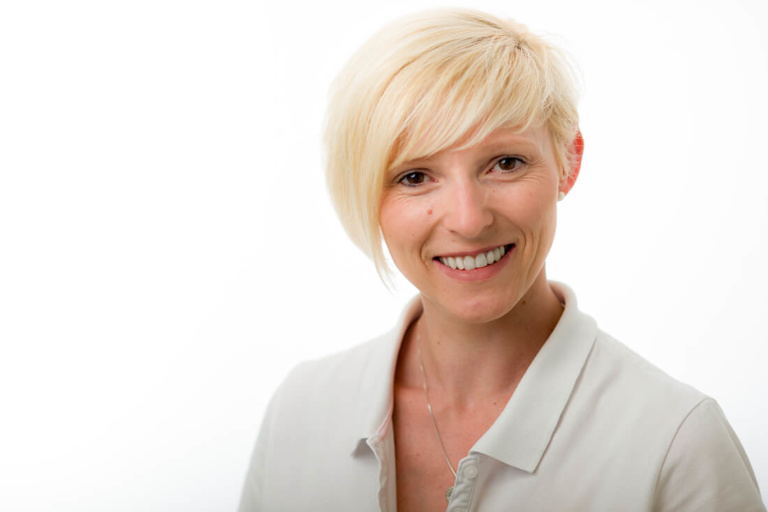 Zahnarzt Bonn Mehlem - Zahnärztin Sylke Hornig - Team - Ina Gerhardt